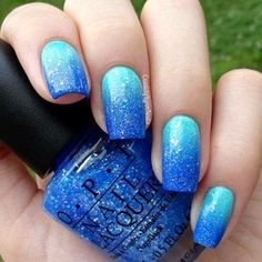 Hot New Summer Nail Trends for Blue ombre nails Lynn Nails, Ocean Nail Art, Art Tropical, Tropical Nail Designs, Blue Ombre Nails, Ocean Blue Nails, Teal Ombre, Gradient Nails, Gel Nagel Design