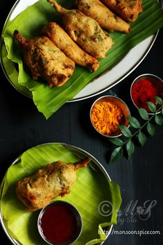 Indian Paneer Stuffed Mirchi Bajji/Pakoda ~ Spicy mashed potato and paneer/Indian cottage cheese stuffed chillies coated in spicy gram flour batter and deep fried till crisp Paneer Recipes, Veg Recipes, Spicy Recipes, Indian Food Recipes, Vegetarian Recipes, Cooking Recipes, Vegetarian Appetizers, Indian Street Food, South Indian Food