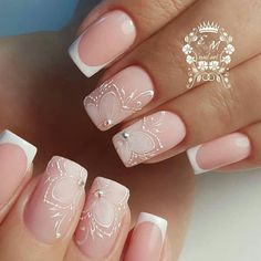 Prized by women to hide a mania or to add a touch of femininity, false nails can be dangerous if you use them incorrectly. Types of false nails Three types are mainly used. Simple Wedding Nails, Wedding Nails Design, Cute Nails, Pretty Nails, My Nails, Best Nail Art Designs, Beautiful Nail Designs, Nagel Hacks, Bride Nails