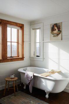 9 Rustic Bathroom Design With Modern and Elegant Combination Salon Interior Design, Home Design, Design Ideas, Design Fails, Bath Design, Design Design, Bathroom Inspiration, Interior Inspiration, Bathroom Ideas