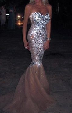 Who else just fell in love? #gorgeous #prom #promdresses #promdress