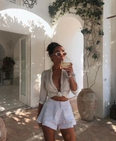 48 Cute Summer Outfits You Need To Copy OOTD OOTD inspo outfit ideas trends looks outfits women's fashion fashion tips s Look Fashion, Fashion Outfits, Womens Fashion, Fashion Trends, Catwalk Fashion, Fashion 2018, 90s Fashion, Latest Fashion, Fashion Ideas