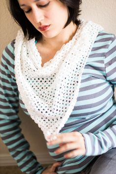Free Crochet Spring Scarf Pattern This easy crochet spring scarf is a perfect project for any beginner crocheter. The pattern is not complicated at all, and is repetitive, so once you repeat the pattern a few times, you...