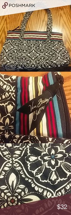 NEW LISTING Large Vera Bradley Purse Maggie Barcelona Print 15 inches wide 10.5 inches long Barely Used Excellent Condition Vera Bradley Bags