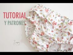 DIY How to make a diaper cover with a ruffle (tutorial and patterns). DIY Tutorial and patterns diaper covers or panties for girls and babies: how to make this blouse step by step. Baby Bloomers Pattern, Baby Dress Patterns, Sewing Patterns For Kids, Baby Knitting, Crochet Baby, Baby Frocks Designs, Sewing Blogs, Baby Costumes, Baby Girl Dresses