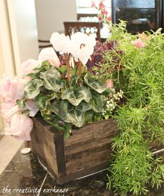 How to Turn A Garden Box Planter Into A Beautiful Holiday Table Arrangement {The Creativity Exchange}