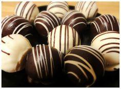 Dark chocolate cake balls -- an easy-to-make holiday treat!