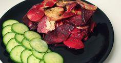 Ingredience (2 porce) 500 g brambor 400 g červené řepy 1/2 balení ovesné smetany (125 ml) 1 menší cibule 4 stroužky česneku s...