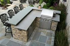 85 Best Outdoor Kitchen and Grill Ideas for Summer Backyard Barbeque Outdoor Kitchen Countertops, Outdoor Kitchen Bars, Backyard Kitchen, Outdoor Kitchen Design, Outdoor Bars, Backyard Barbeque, Outdoor Kitchens, Concrete Countertops, Backyard Parties