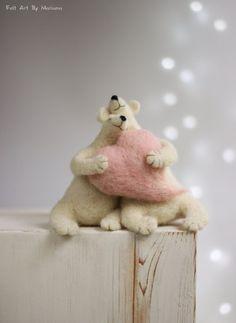 Needle Felted White Bears - Needle Felted Animals - Withe Polar Bears - Home Decor - Art Doll - Wool - Handmade - Gift Idea - Bears Decor Felt Fox, Felt Bunny, Wool Felt, Needle Felted Animals, Felt Animals, Needle Felting, Bear Decor, Felt Mouse, Animal Projects