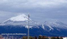 Snow on Mount Vesuvius (15/03/2013 )