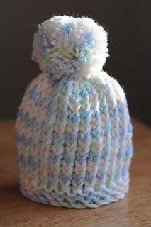 Loom Knit Puff-Ball Infant Hat pattern by DIY Maven, Diy Abschnitt, Loom Knitting Projects, Loom Knitting Patterns, Yarn Projects, Crochet Projects, Crochet Patterns, Knitting Looms, Knitting Tutorials, Hat Patterns, Knitting Ideas