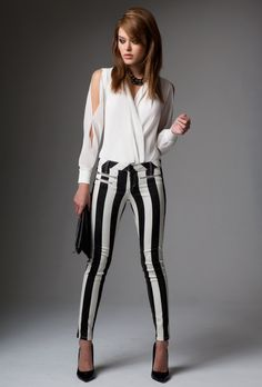 Black & white stripes never cease to make a statement. #bebe #fashion