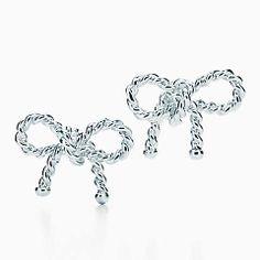 Boucles d'oreille en nœud de la collection Torsade, argent sterling.