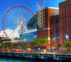 Visit Chicago and head to Navy Pier to take a boat trip on Lake Michigan. The lake tours vary from private and public charter tours to a dinner cruise or water taxi.