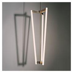 Suspension Tube Chandelier en laiton satiné LED - Suspensions - Luminaire - Meuble & Luminaire - The Conran Shop