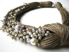Pearls BIG linen necklace di GreyHeartOfStone su Etsy