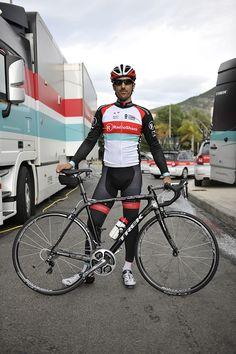Fabian Cancellara dominated 100th anniversary edition Tour of Flanders(Ronde van Vlaanderen).