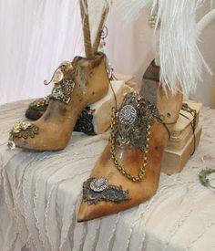 shoe horn art