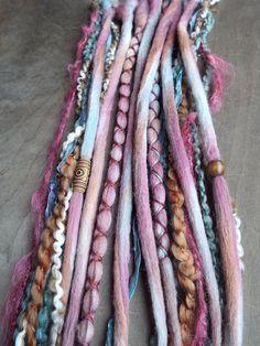 10 Pomegranate Tie-Dye Wool Synthetic by PurpleFinchStore on Etsy