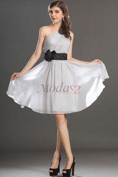 ¿Dónde puedo comprar los mejores vestidos de graduacion? Seleccione el Modao.es que vende vestidos de graduacion baratos con el diseño innovador. Añada color a tu fiesta de graduación!