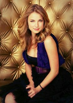 Photo of Saturday Night for fans of Emily VanCamp 4504354 Emily Thorne, Divas, Beautiful Celebrities, Beautiful Actresses, Beautiful Women, Emily Vancamp Hot, Hollywood Actresses, Actors & Actresses, Amanda Clarke