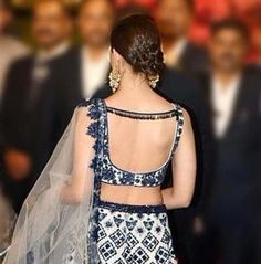 23 Sexy Backless Blouse Designs that are Sure to Turn some Heads - Sakin Pleb Choli Blouse Design, Saree Blouse Neck Designs, Fancy Blouse Designs, Dress Neck Designs, Bridal Blouse Designs, Indian Blouse Designs, Choli Designs, Lehenga Designs, Home Design