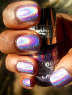 Layla Holographic effect polish