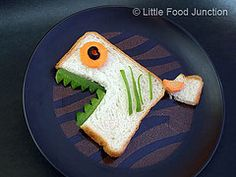 Little Food Junction: Zoo sandwiches - bread, cheese, carrot, cucumber, olive Food Art For Kids, Cooking With Kids, Fun Cooking, Fish Recipes, Snack Recipes, How To Eat Better, Junk Food, Lunch Snacks, Food Humor