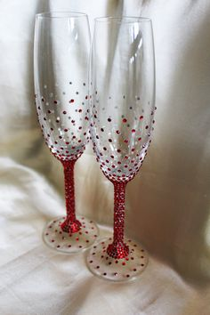 Wedding Flutes Wedding Glasses Toasting Flutes Wedding Champagne Glasses Bride and Groom Flutes Personalized gift Hand Painted