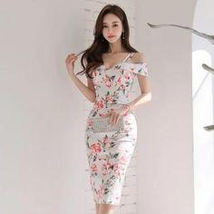 Women Elegant Printed Dress. #womensfashion #womenswear, sleeveless dress, bodycon dress, sheath dress, off-shoulder dress, slim-fit dress.