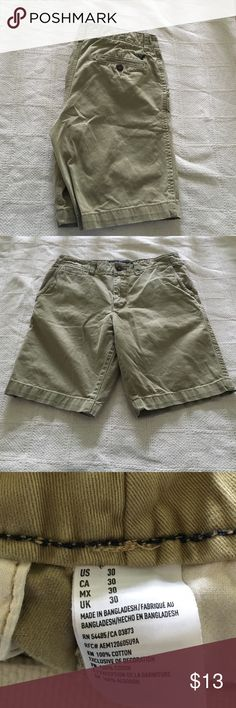 ⚡️AMERICAN EAGLE KHAKI SHORTS⚡️ Perfect condition!! American eagle size 30 classic style khaki shorts! Greenish beige color! American Eagle Outfitters Shorts Flat Front