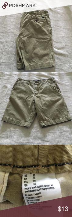 ⚡️AMERICAN EAGLE KHAKI SHORTS⚡️ Perfect condition!! American eagle size 30 classic style khaki shorts! Greenish beige color! American Eagle Outfitters Shorts Flat Front