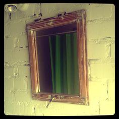 Mirror Window, Burdąg