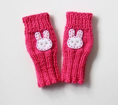 Check out this item in my Etsy shop https://www.etsy.com/listing/224450601/cute-toddlers-fingerless-gloves-girls