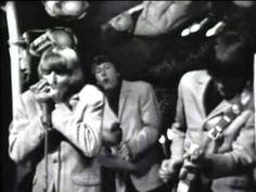 The Yardbirds - I'm A Man (Hullabaloo) - YouTube