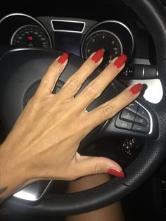 Rosso Ferrari.... by Tong Tong Milano Unghie Rosse❤️red nails .... passion color
