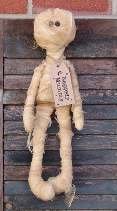 Primitive Halloween Mummy Doll Pattern, Raggedy Mummy Doll pattern, zombie pattern, Primitive Halloween doll pattern by Homespun from the Heart, Mummy doll! Instructions and pattern to create your own Raggedy Mummy; Cute Halloween Food, Halloween Arts And Crafts, Halloween Tags, Halloween Doll, Halloween Patterns, Diy Halloween Decorations, Outdoor Decorations, Fall Crafts, Halloween Ideas