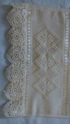 Trendy Edge To Edge Quilting Designs Ideas Ideas Hardanger Embroidery, Ribbon Embroidery, Quilting Designs, Embroidery Designs, Swedish Weaving, Drawn Thread, Crochet Quilt, Crochet Borders, Linens And Lace