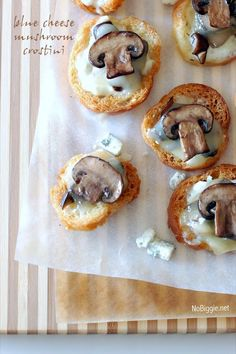 Blue cheese mushroom crostini / recipe