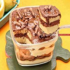 Pavê de maracujá com chocolate, uma receita muito fácil que vai te surpreender com esse sabor do azedinho do maracujá com o do chocolate preto, campeão de vendas no pote http://cakepot.com.br/pave-de-maracuja-com-chocolate-2/