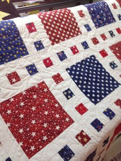 Quilt of Valor quilts go to Military Veterans and you can read more about them at Quilts of Valor website. I am honored to have the opportunity to quilt for them. I didn't piece the quilt, just… Patchwork Quilting, Scrappy Quilts, Easy Quilts, Quilt Baby, Sewing Patterns Girls, Easy Patterns, Pattern Sewing, Pattern Ideas, Pants Pattern
