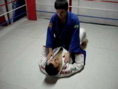 Saída da Montada | Aprenda jiu jitsu