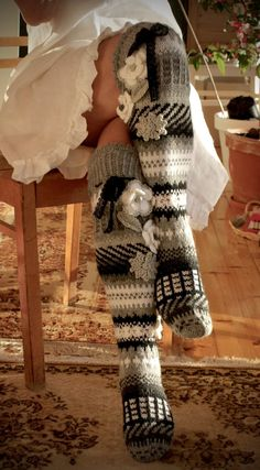 I love the black, grey, and white theme here. The knitted embellishments are pretty too. Wool Socks, My Socks, Knee Socks, Knitting Projects, Crochet Projects, Knitting Patterns, Crochet Patterns, Crochet Cross, Love Crochet