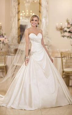 Gold Wedding Dress 2016 Popular Ball Gown Wedding Dresses With Free Veil Stella York Sweetheart Neck Ruched Appliqued Satin Romantic Bridal Gowns With Lace Up Casual Wedding Dress From Nicedressonline, $209.17| Dhgate.Com