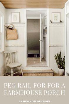 Peg rail farmhouse porch cottage style Rustic Farmhouse Furniture, Farmhouse Design, Farmhouse Style, Country Decor, Country Style, Diy Furniture Plans, Design Your Home, Home Hacks, Cottage Style