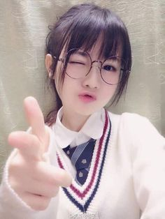 Best Bangs Hairstyles with Glasses for Women - Cute Japanese Girl, Cute Korean Girl, Cute Asian Girls, Beautiful Asian Girls, Cute Girls, School Girl Japan, Japan Girl, Cosplay Kawaii, Japonese Girl