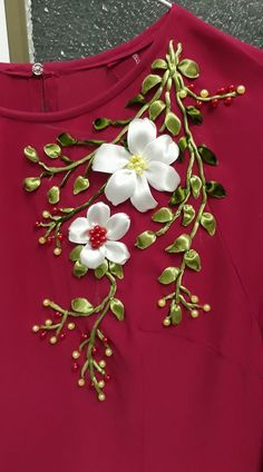 Wonderful Ribbon Embroidery Flowers by Hand Ideas. Enchanting Ribbon Embroidery Flowers by Hand Ideas. Ribbon Embroidery Tutorial, Hand Embroidery Dress, Embroidery Suits, Silk Ribbon Embroidery, Crewel Embroidery, Hand Embroidery Designs, Embroidery Thread, Floral Embroidery, Embroidery Patterns