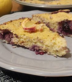 Couscous Cake - Lemon and Blueberry — Slimming Survival Slimming World Deserts, Slimming World Snacks, Slimming World Recipes, Slimming Eats, Couscous Recipes, Slimming World Survival, Speed Foods, Judith, Food Cakes