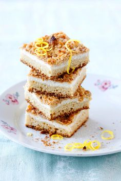 Paras rahkapiirakka – kurkkaa resepti!   Meillä kotona Baking Recipes, Cake Recipes, Finnish Recipes, Sweet Pie, Desert Recipes, No Bake Desserts, Sweet Recipes, Baked Goods, Sweet Tooth